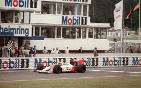 Retro – Senna oktat az esős-száradó pályán
